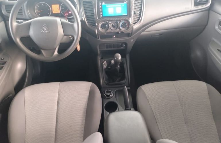 Mitsubishi L200 Triton 2.4 16V Turbo Sport Glx CD 4x4 - Foto #5