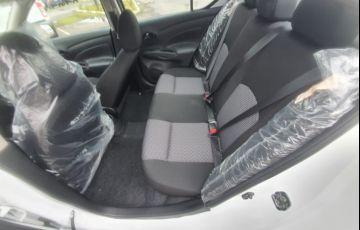 Nissan Versa 1.0 12v V-drive - Foto #9