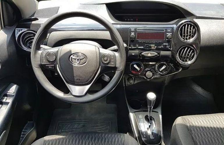 Toyota Etios 1.5 Xs 16v - Foto #9