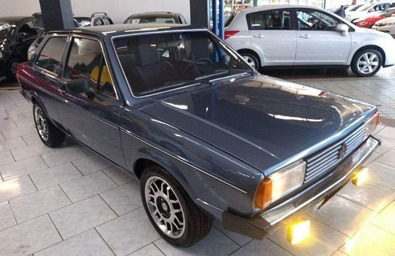 Volkswagen Voyage 1.5 LS 8v - Foto #1