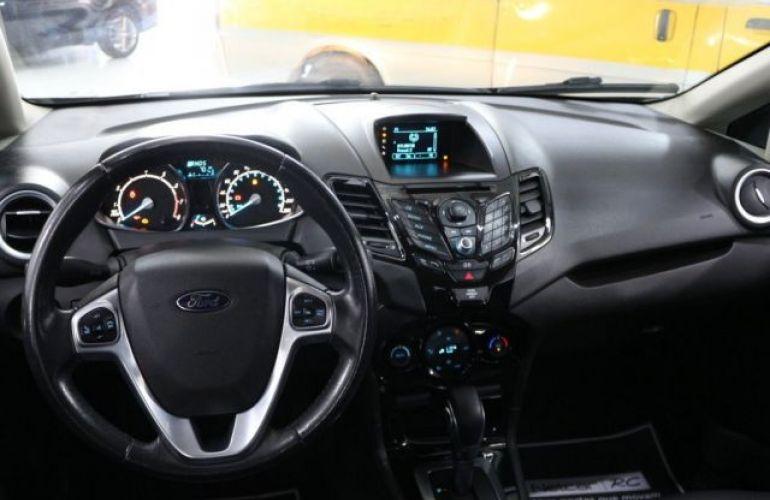 Ford Fiesta Sedan Titanium PowerShift 1.6 - Foto #8