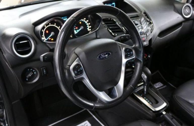 Ford Fiesta Sedan Titanium PowerShift 1.6 - Foto #9