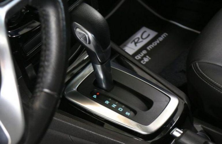 Ford Fiesta Sedan Titanium PowerShift 1.6 - Foto #10