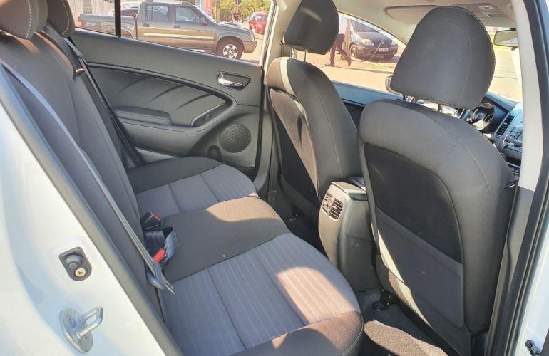 Kia Cerato 1.6 16V (aut) - Foto #6