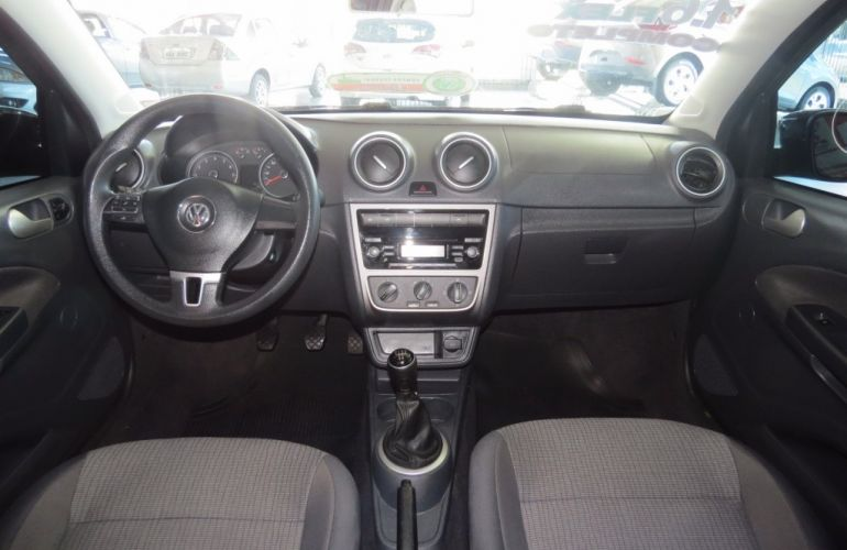 Volkswagen Voyage (G6) 1.6 VHT Total Flex - Foto #6