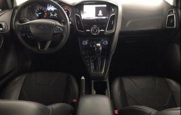 Ford Focus 2.0 Titanium Plus Fastback 16v - Foto #5