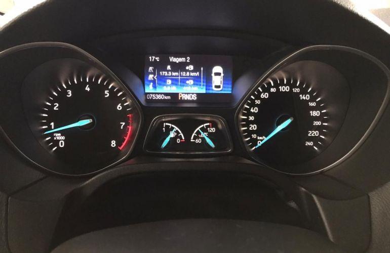 Ford Focus 2.0 Titanium Plus Fastback 16v - Foto #8