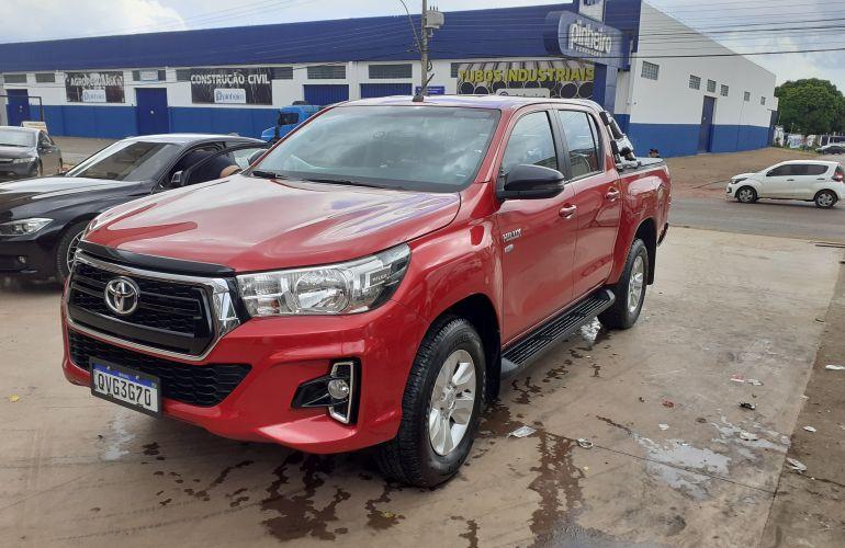 Toyota Hilux 2.7 CD SRV (Aut) - Foto #1