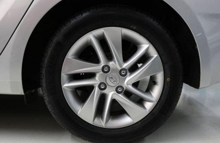 Hyundai HB20S Premium 1.6 16V Flex - Foto #8