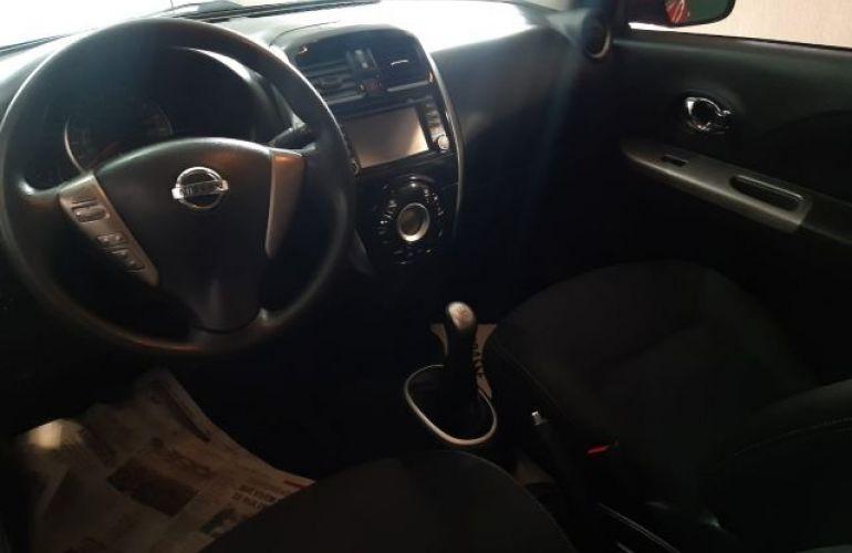Nissan March SL 1.6 16V Flex - Foto #6