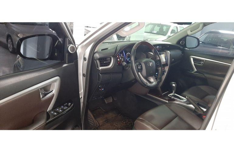 Toyota SW4 2.8 TDI SRX 5L 4x4 (Aut) - Foto #9