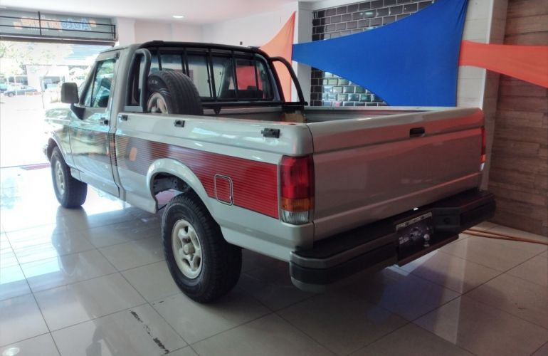 Ford F1000 Super Serie 3.9 (Cab Simples) - Foto #4