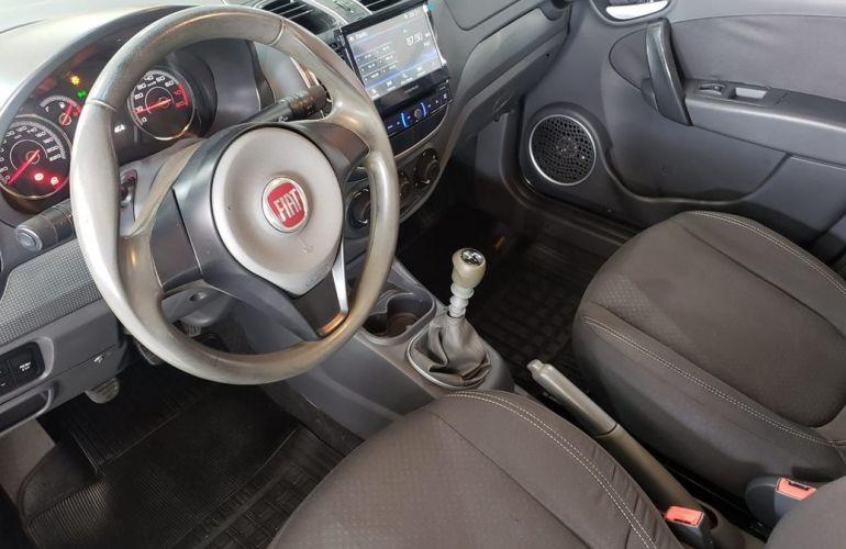 Fiat Grand Siena 1.4 MPi Attractive 8v - Foto #2