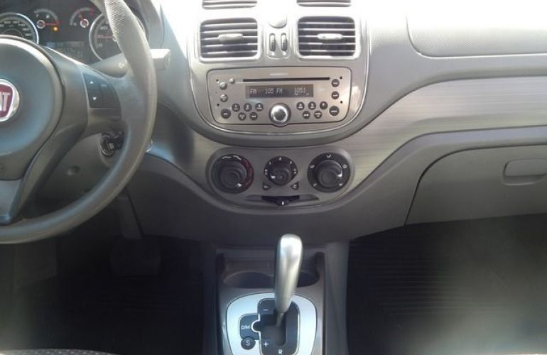 Fiat Grand Siena Essence Dualogic 1.6 16V Flex - Foto #5
