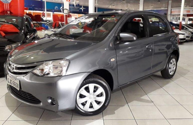 Toyota Etios 1.5 Xs 16v - Foto #2