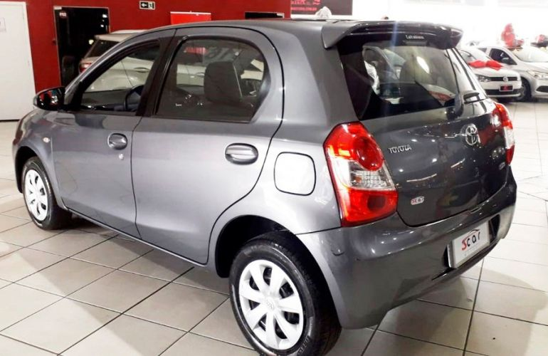Toyota Etios 1.5 Xs 16v - Foto #6