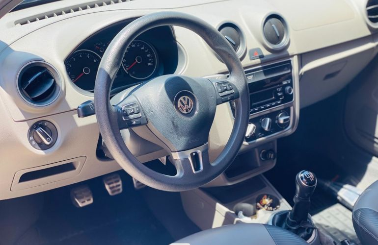 Volkswagen Saveiro 1.6 Mi Surf CS 8v - Foto #4
