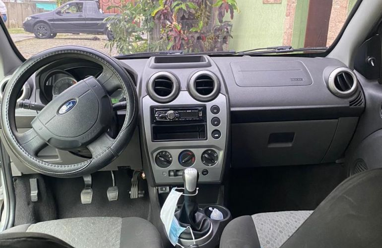 Ford Fiesta Hatch Rocam 1.6 (Flex) - Foto #4