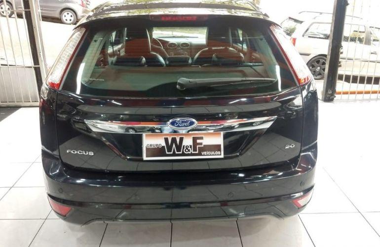 Ford Focus 2.0 Titanium Hatch 16v - Foto #6