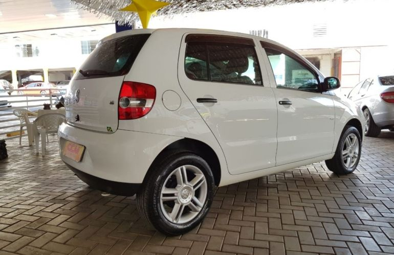 Volkswagen Fox Plus 1.6 8V - Foto #4