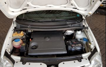 Volkswagen Fox Plus 1.6 8V - Foto #10
