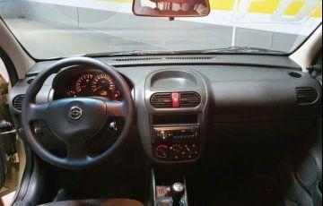 Chevrolet Corsa 1.0 MPFi Joy Sedan 8v - Foto #4