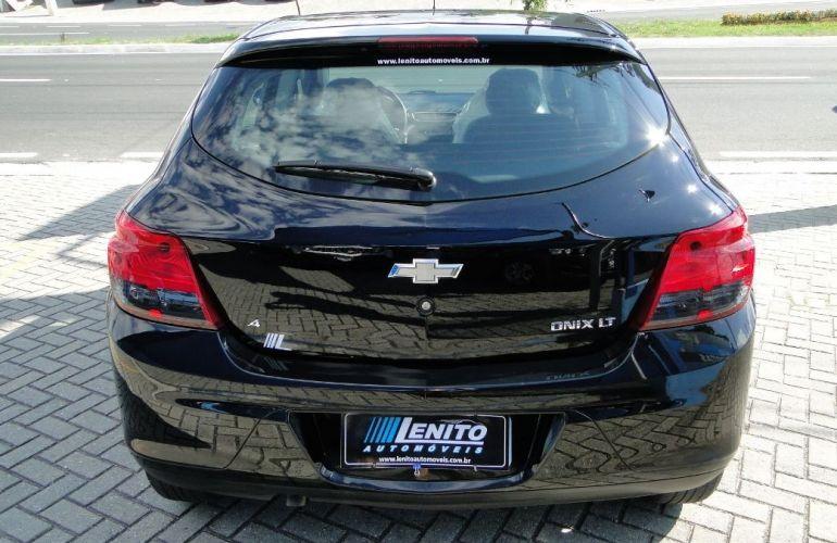 Chevrolet Onix 1.4 MPFi LT 8v - Foto #6