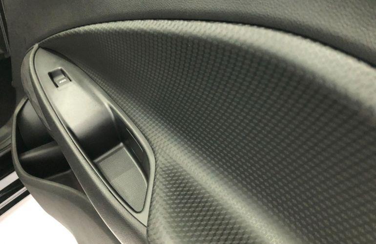 Chevrolet Onix 1.0 Turbo LT - Foto #10