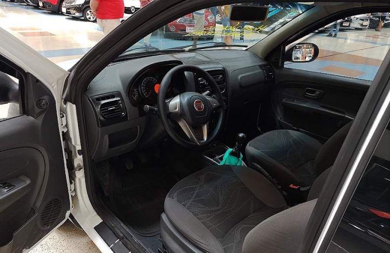 Fiat Strada 1.4 MPi Hard Working CD 8v - Foto #7