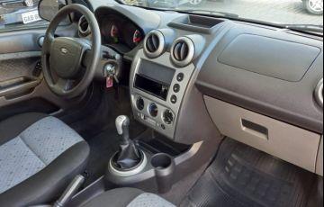Ford Fiesta 1.6 Rocam Hatch 8v - Foto #8