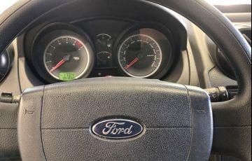 Ford Ka 1.6 MPi 8v - Foto #7