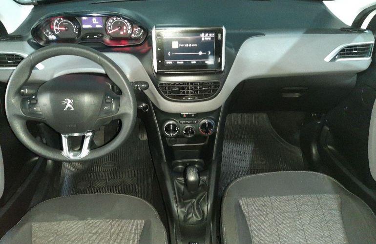 Peugeot 208 1.2 Active 12v - Foto #5
