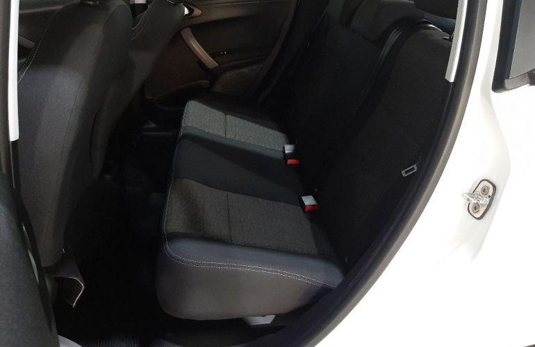 Peugeot 208 1.2 Active 12v - Foto #7