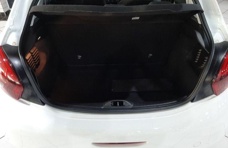 Peugeot 208 1.2 Active 12v - Foto #10