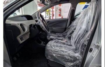 Toyota Etios 1.3 X 16v - Foto #6