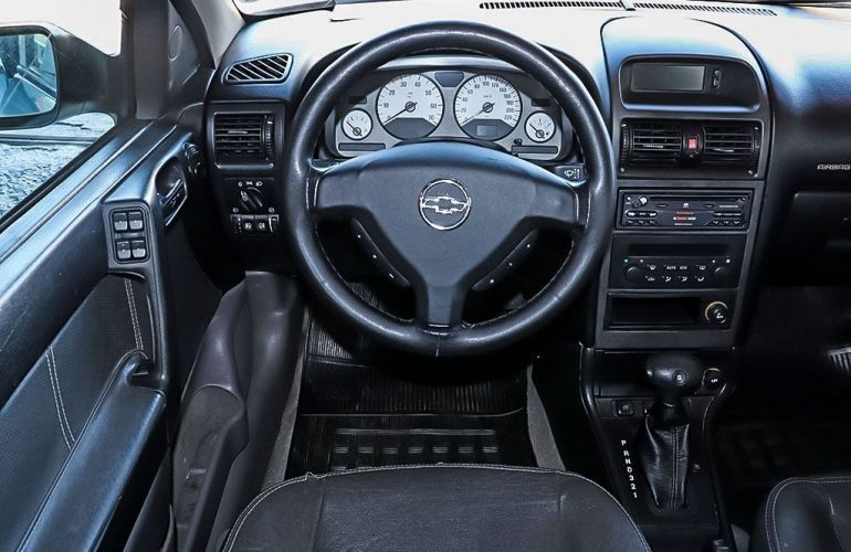 Chevrolet Astra 2.0 MPFi Sedan 8v - Foto #6