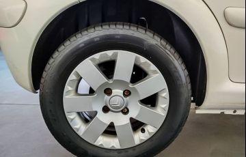 Citroën C3 1.4 I Exclusive 8v - Foto #9