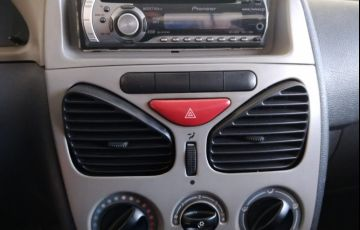 Fiat Strada 1.4 MPi Fire CS 8v - Foto #10
