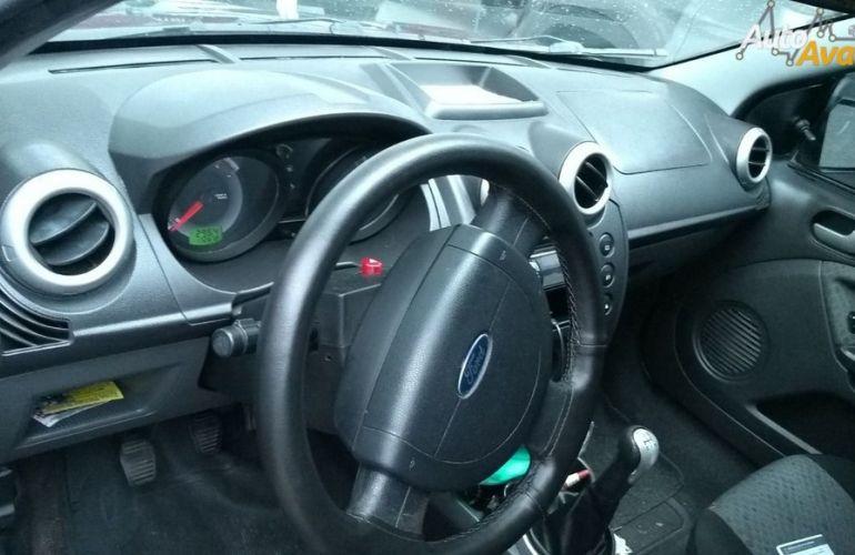 Ford Fiesta 1.6 MPi Class Hatch 8v - Foto #4