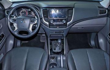 Mitsubishi L200 Triton 2.4 16V Turbo Sport Hpe-s CD 4x4 - Foto #5
