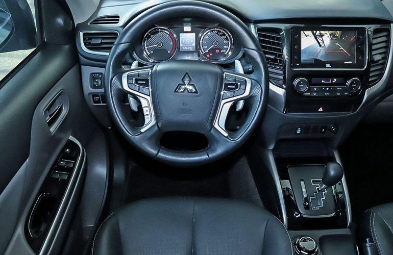 Mitsubishi L200 Triton 2.4 16V Turbo Sport Hpe-s CD 4x4 - Foto #6