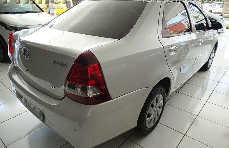 Toyota Etios Sedan X-AT 1.5 16V Flex - Foto #4