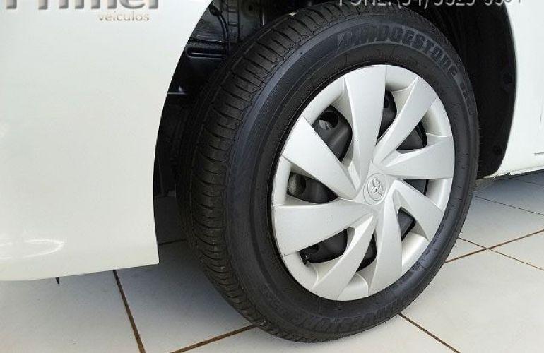 Toyota Etios Sedan X-AT 1.5 16V Flex - Foto #5