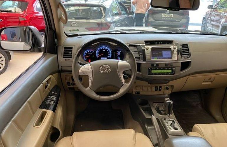 Toyota Hilux SW4 SRV 4X4 7 Lugares 3.0 Turbo Intercooler 16V - Foto #4