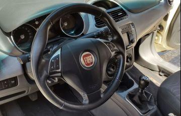 Fiat Punto 1.6 Essence 16v - Foto #10