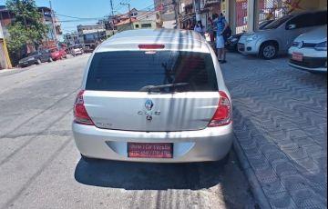 Renault Clio 1.0 Expression 16v - Foto #4