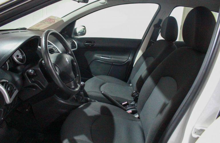 Peugeot 207 Hatch Active 1.4 (Flex) - Foto #7