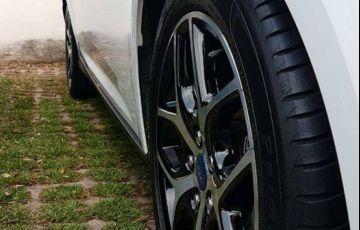 Ford Focus Hatch Titanium Plus 2.0 PowerShift - Foto #5