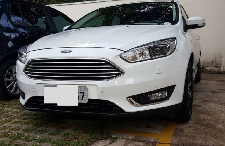 Ford Focus Hatch Titanium Plus 2.0 PowerShift - Foto #6