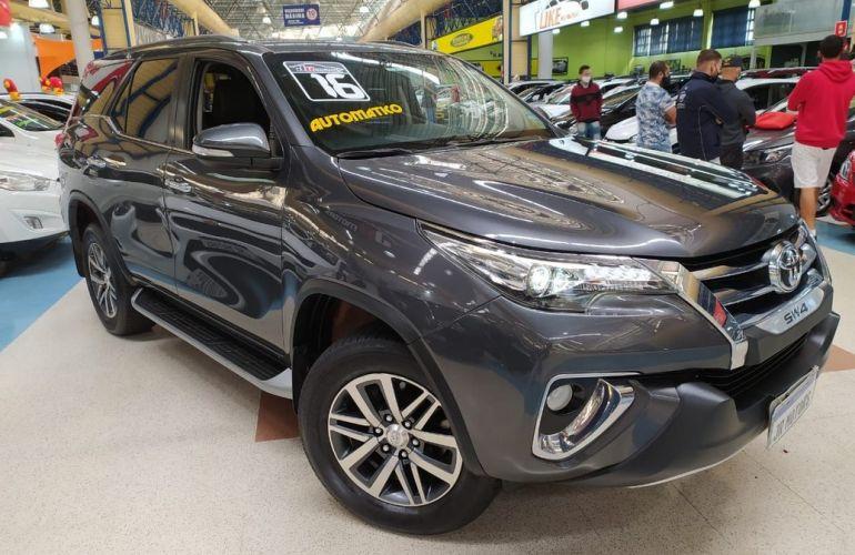 Toyota Hilux Sw4 4.0 Srx 4x4 7 Lugares V6 24v - Foto #2